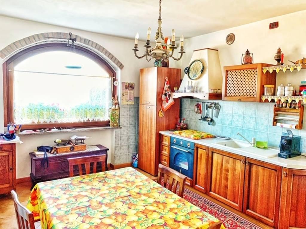 Soluzione Indipendente in vendita a Fabbrica Curone, 6 locali, zona Località: PARETO, prezzo € 240.000 | CambioCasa.it