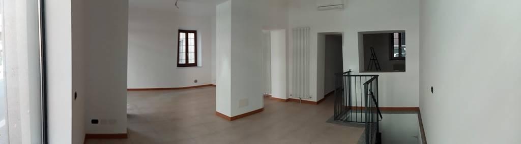 Attività / Licenza in affitto a Voghera, 5 locali, prezzo € 800 | PortaleAgenzieImmobiliari.it