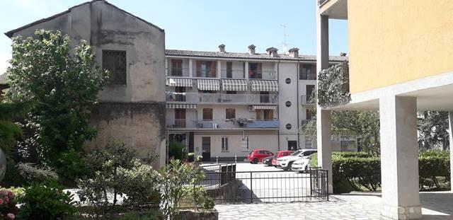 Appartamento in vendita a Casteggio, 4 locali, prezzo € 120.000 | CambioCasa.it