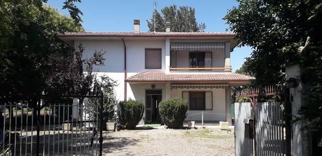 Soluzione Indipendente in vendita a Voghera, 8 locali, prezzo € 160.000   PortaleAgenzieImmobiliari.it