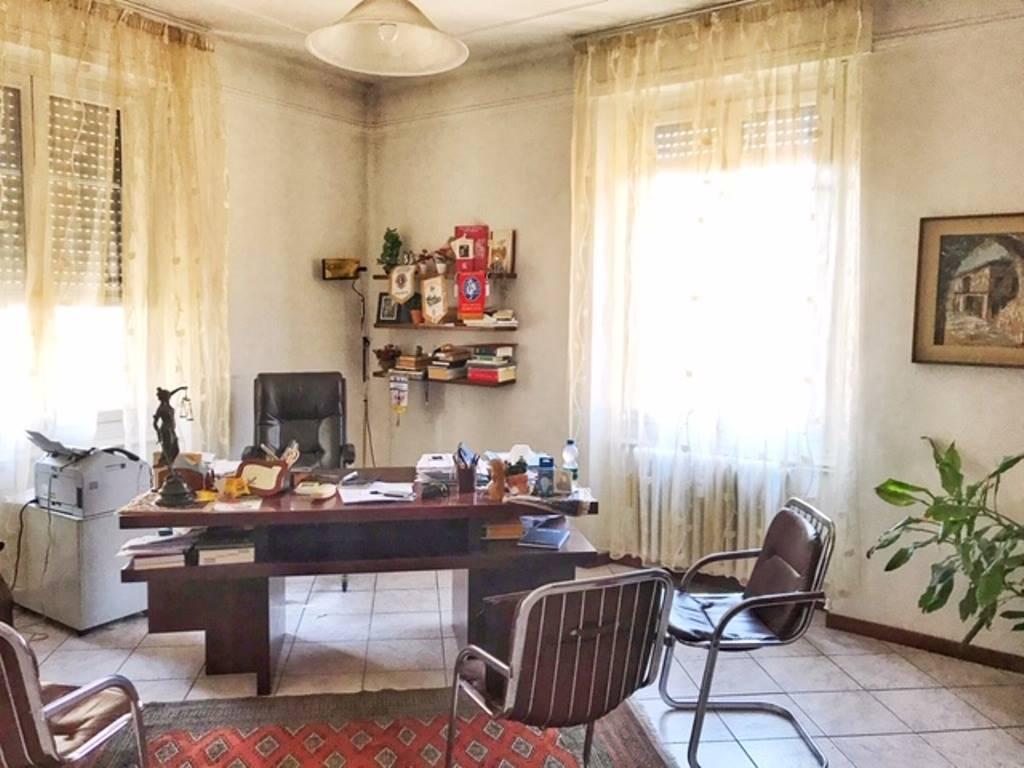 Ufficio / Studio in affitto a Voghera, 5 locali, prezzo € 650 | PortaleAgenzieImmobiliari.it