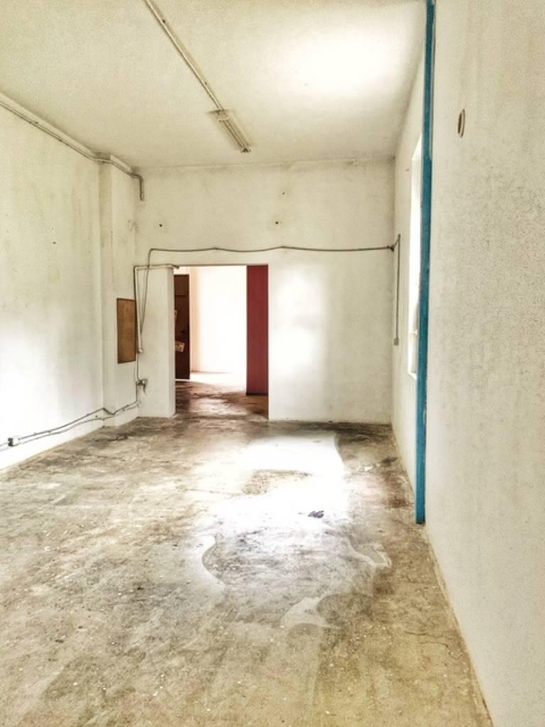 Magazzino in affitto a Voghera, 9999 locali, prezzo € 350 | PortaleAgenzieImmobiliari.it