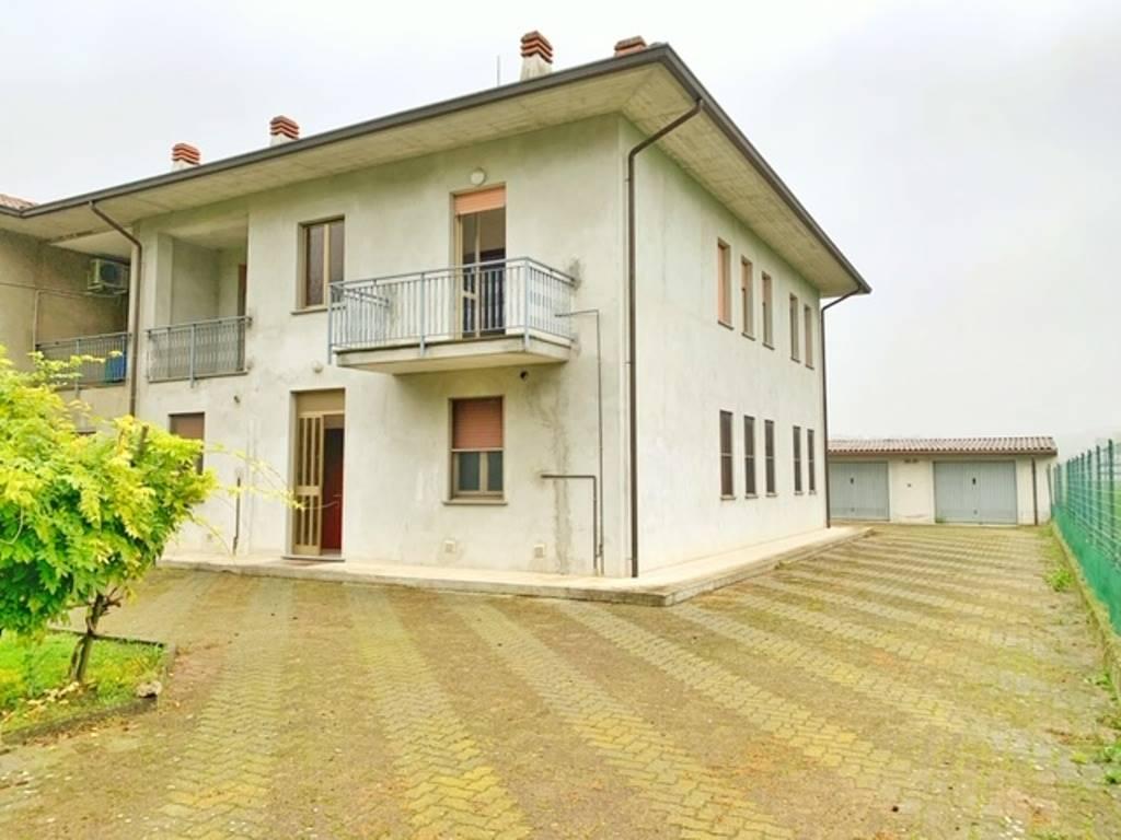Villa in vendita a Montebello della Battaglia, 8 locali, prezzo € 250.000 | CambioCasa.it