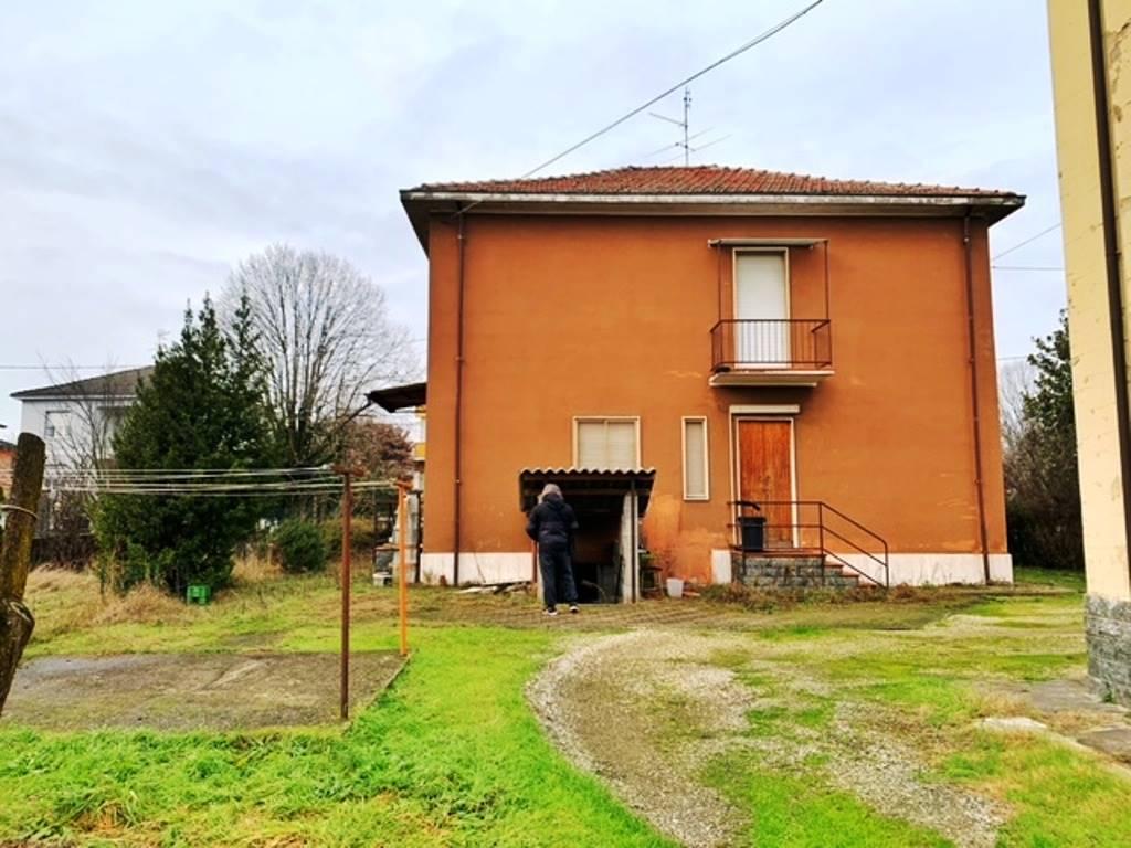 Villa in vendita a Bressana Bottarone, 6 locali, prezzo € 195.000   PortaleAgenzieImmobiliari.it