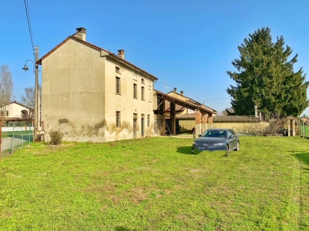 Rustico / Casale in vendita a Isola Sant'Antonio, 5 locali, zona Località: CASONINI, prezzo € 30.000 | PortaleAgenzieImmobiliari.it