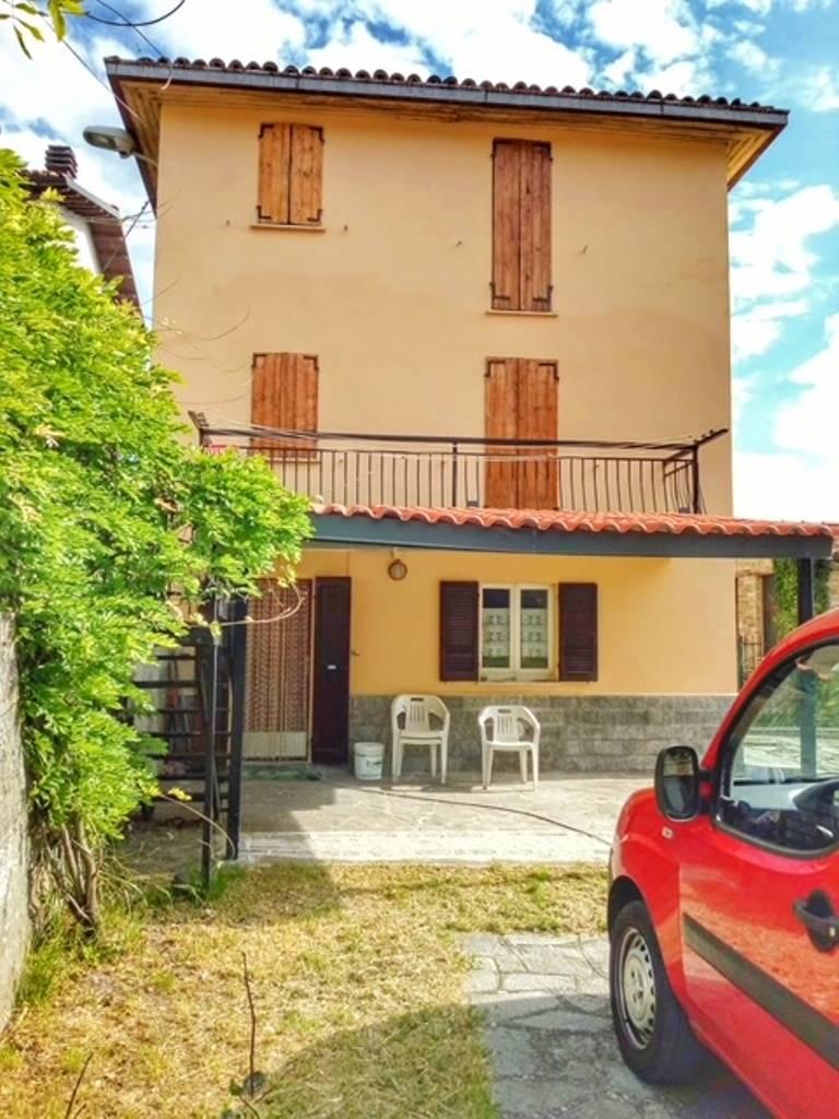 Soluzione Semindipendente in vendita a Romagnese, 4 locali, zona Località: CASA MATTI, prezzo € 89.000   CambioCasa.it