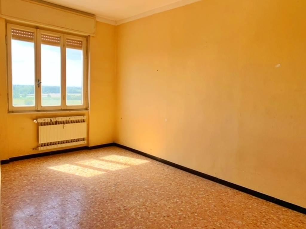 Appartamento in vendita a Villalvernia, 6 locali, prezzo € 62.000   CambioCasa.it