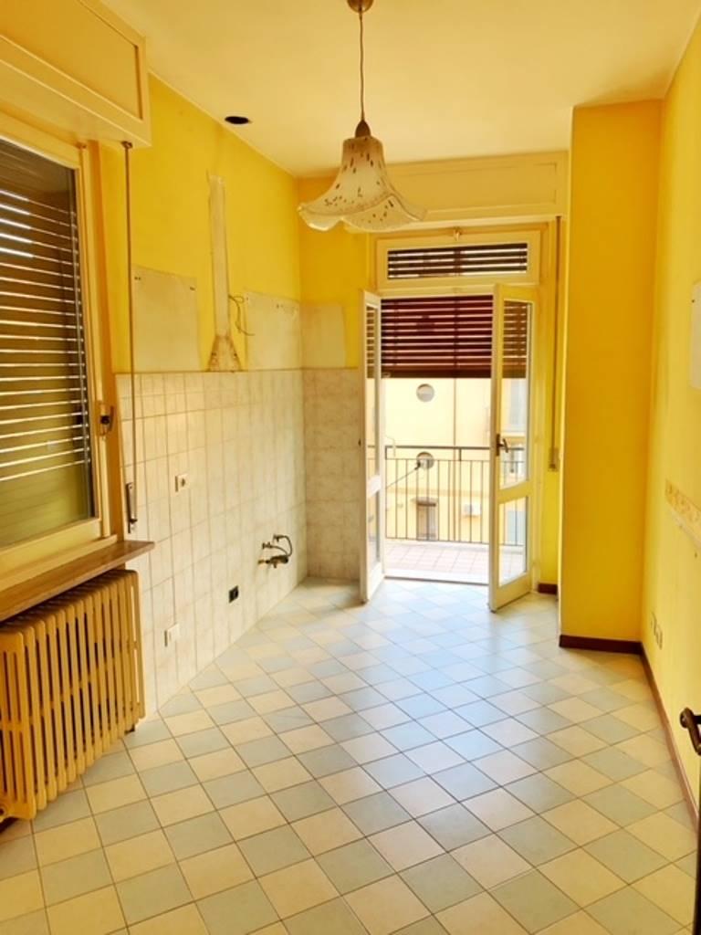 Appartamento in affitto a Voghera, 4 locali, prezzo € 480   CambioCasa.it