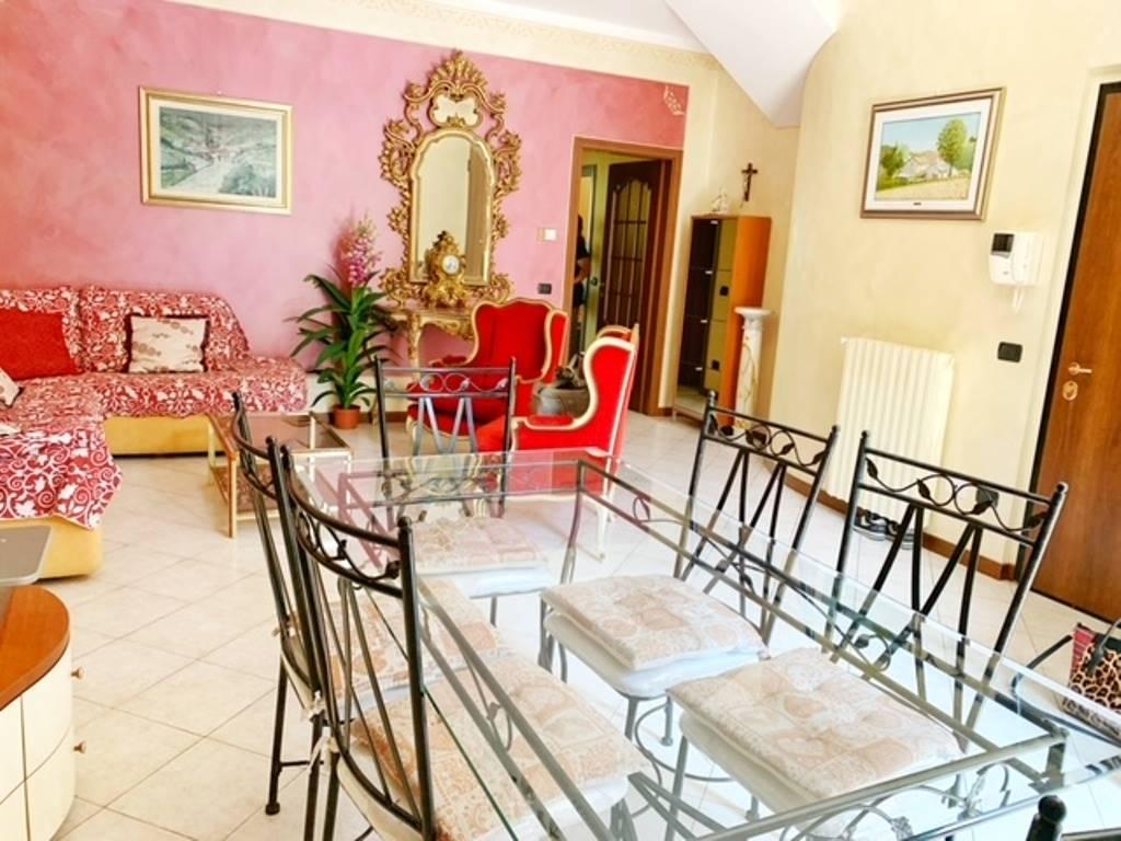 Appartamento in affitto a Voghera, 4 locali, prezzo € 600   CambioCasa.it