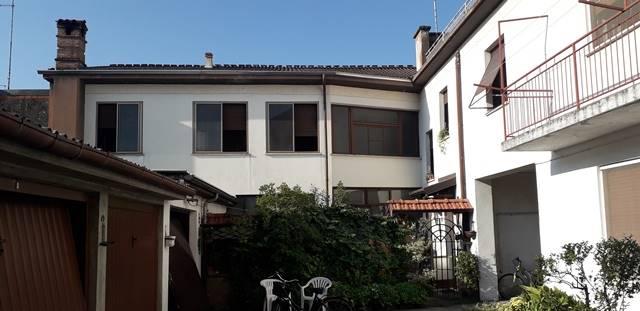 Soluzione Semindipendente in vendita a Pontecurone, 12 locali, prezzo € 57.000   CambioCasa.it