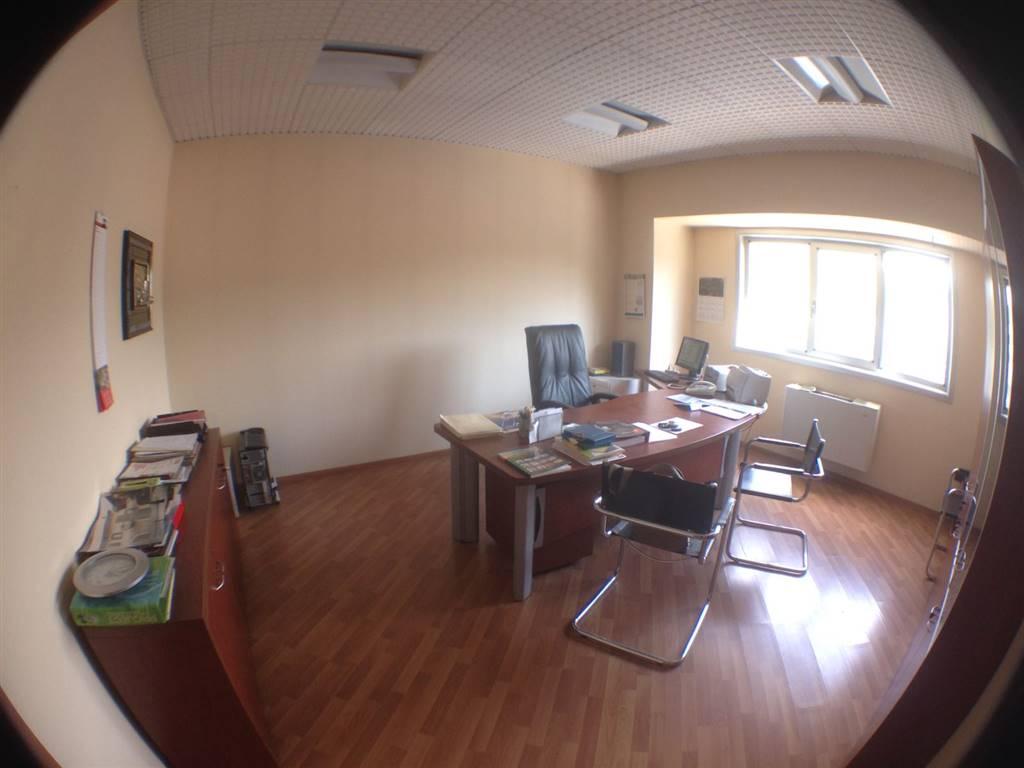 Ufficio / Studio in affitto a Potenza, 1 locali, prezzo € 380 | CambioCasa.it