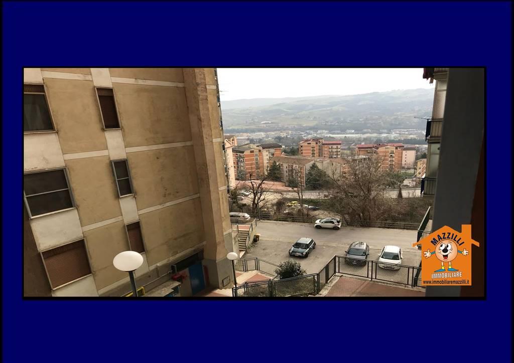 Ufficio / Studio in affitto a Potenza, 3 locali, zona Zona: Santa Croce, prezzo € 380 | CambioCasa.it