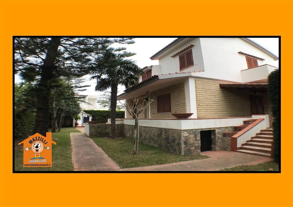 Villa in vendita a Capaccio, 6 locali, zona Zona: Paestum, prezzo € 350.000   CambioCasa.it