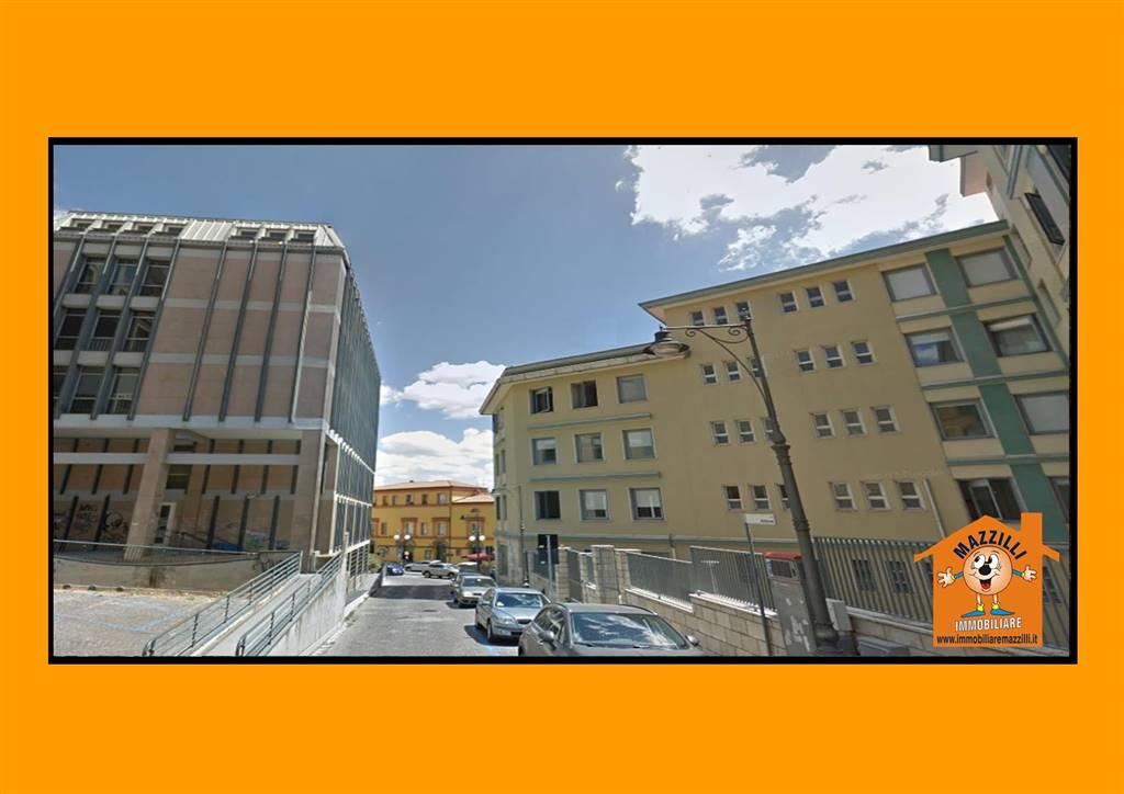 Locale commerciale in Via Addone, Centro Storico, Potenza