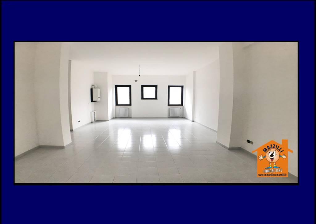 Ufficio / Studio in affitto a Potenza, 2 locali, zona Zona: Zona G, prezzo € 380 | CambioCasa.it