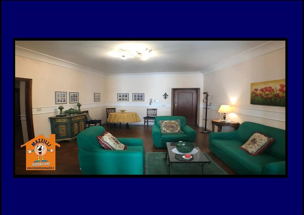 Appartamento in Largo Duomo, Centro Storico, Potenza