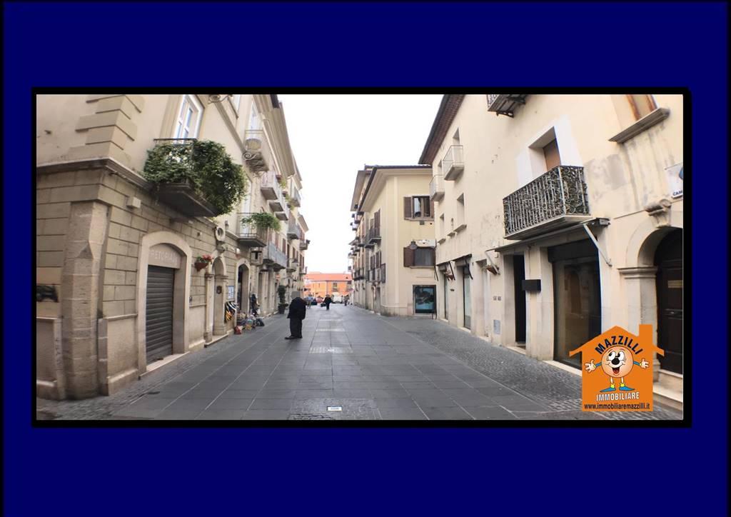 Immobile Commerciale in affitto a Potenza, 2 locali, zona Zona: Centro storico, prezzo € 850   CambioCasa.it