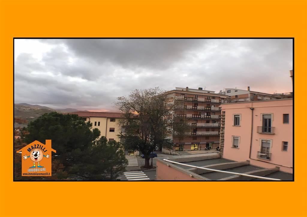 Quadrilocale in Corso Garibaldi, Semicentro, Potenza