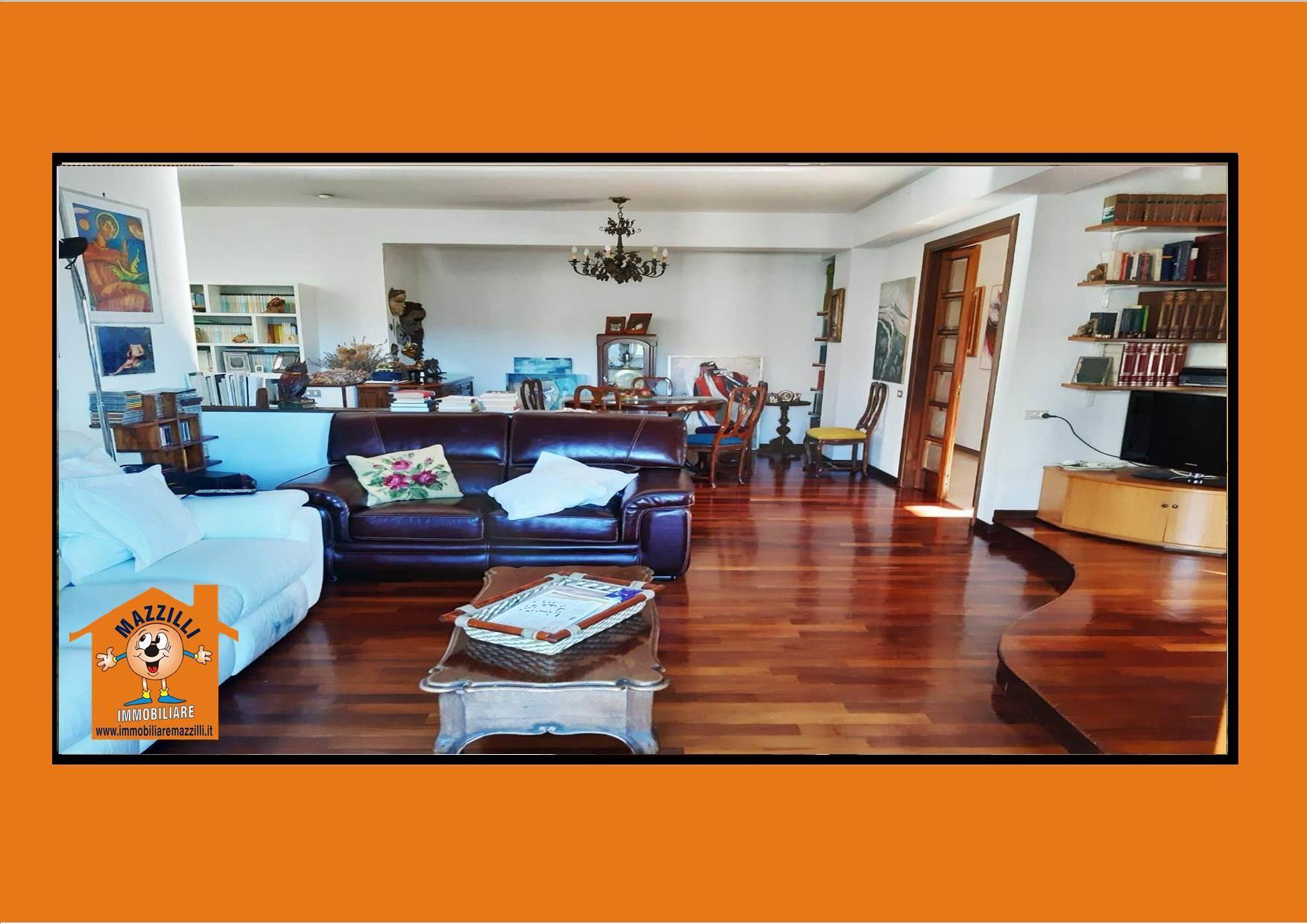 Appartamento in vendita a Potenza, 5 locali, prezzo € 158.000 | CambioCasa.it