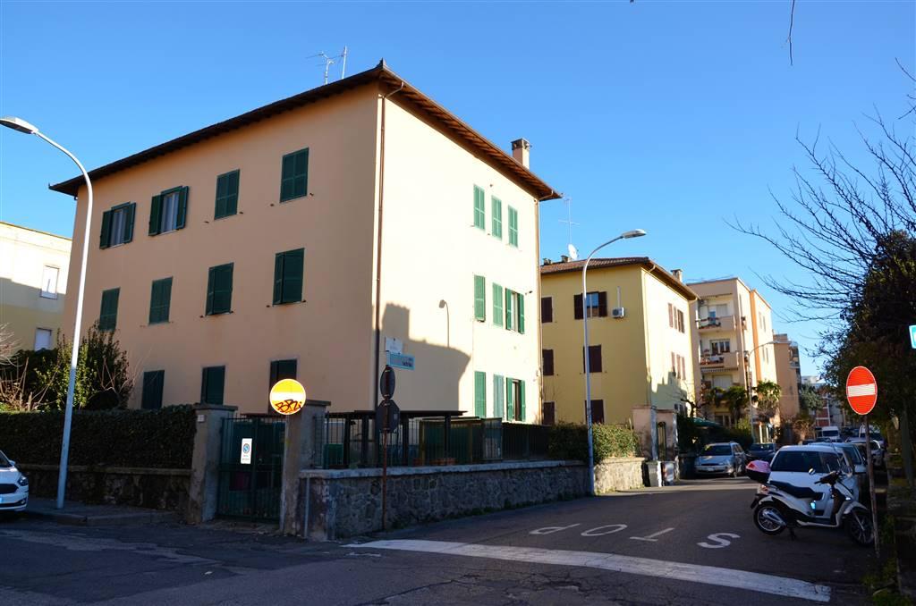 Appartamento in vendita a Viterbo, 4 locali, zona Zona: Semicentro, prezzo € 100.000 | CambioCasa.it