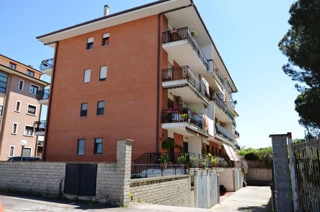 Appartamento in vendita a Viterbo, 4 locali, zona Località: VILLANOVA, prezzo € 110.000 | CambioCasa.it