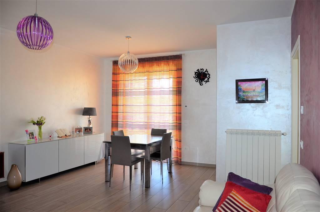 Appartamento in vendita a Viterbo, 6 locali, zona Zona: La Quercia, prezzo € 185.000 | CambioCasa.it