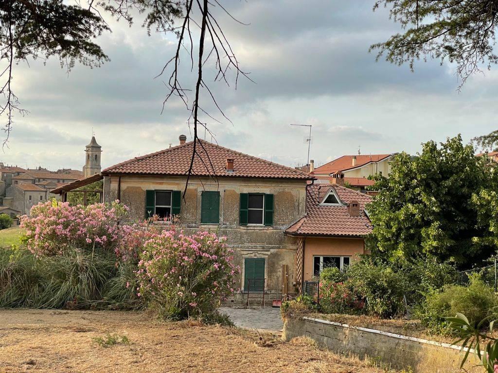 Appartamento in vendita a Farnese, 10 locali, prezzo € 197.000   PortaleAgenzieImmobiliari.it