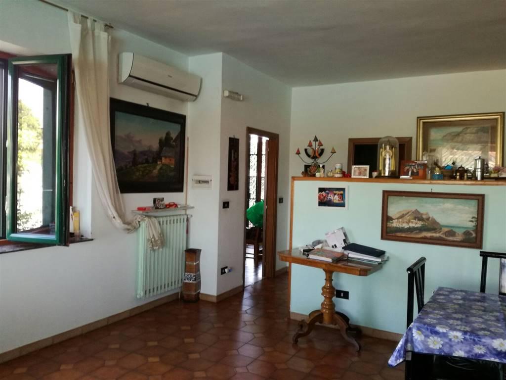Villa a GIUGLIANO IN CAMPANIA