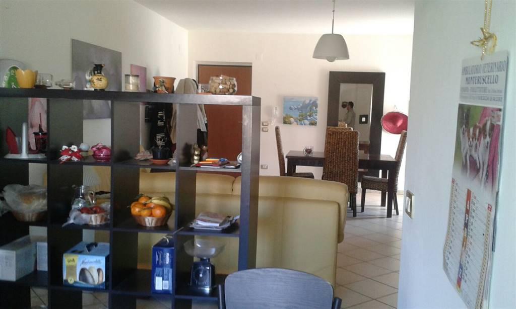 Appartamento in affitto a Giugliano in Campania, 4 locali, zona Zona: Licola, prezzo € 680 | CambioCasa.it