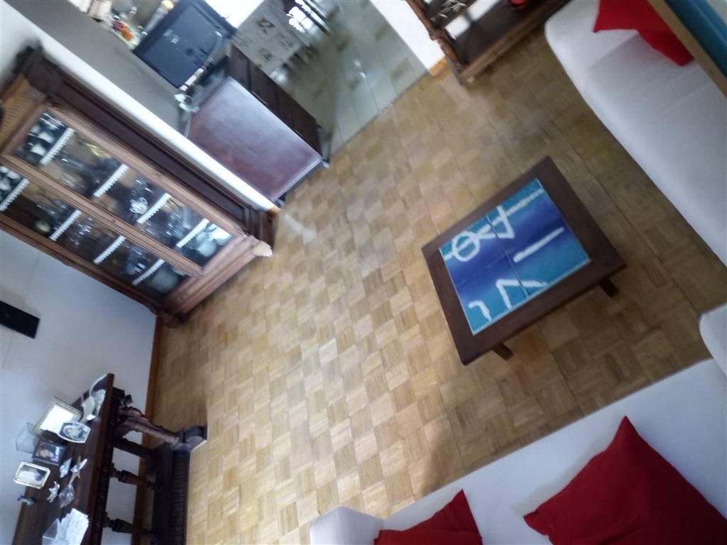 Appartamento in vendita a Giugliano in Campania, 3 locali, zona Zona: Licola-Varcaturo, prezzo € 90.000   CambioCasa.it