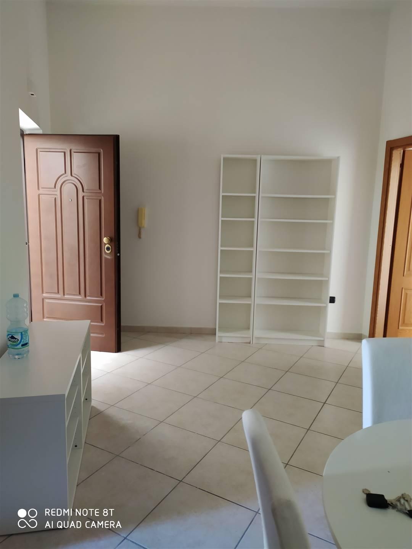 Appartamento in affitto a Pozzuoli, 3 locali, zona Località: POZZUOLI, prezzo € 700 | CambioCasa.it