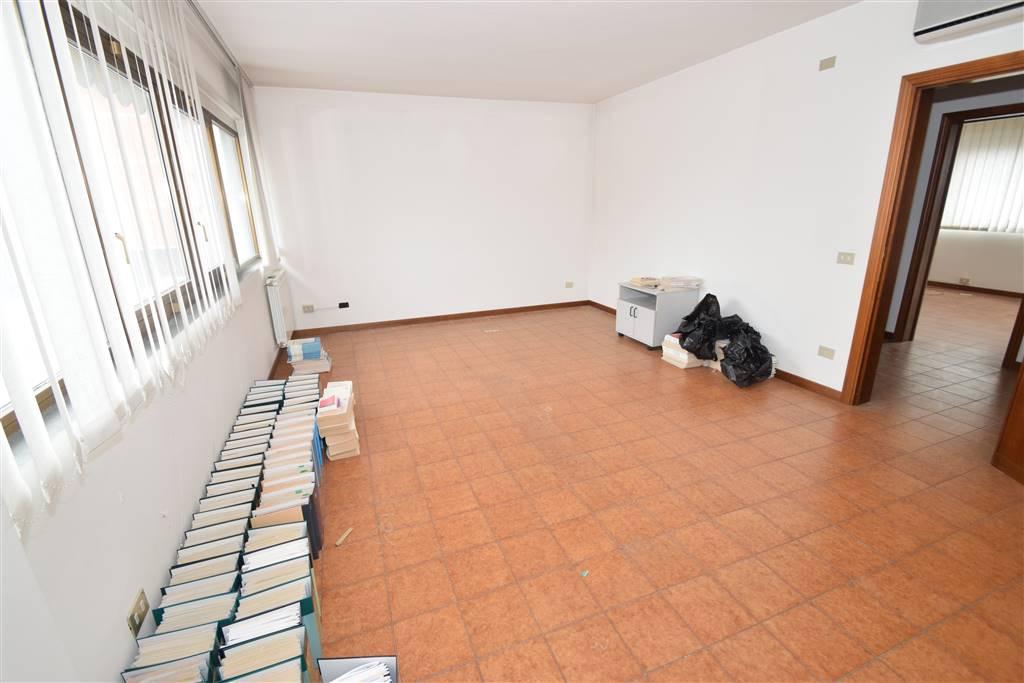 Ufficio / Studio in vendita a Monsummano Terme, 3 locali, prezzo € 89.000 | CambioCasa.it