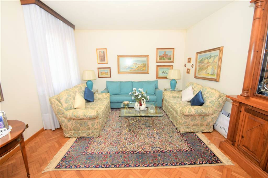Appartamento in vendita a Buggiano, 6 locali, prezzo € 138.000 | CambioCasa.it