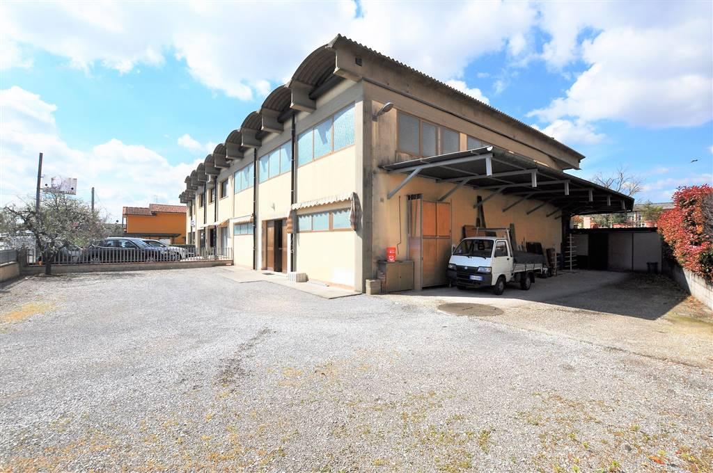 Capannone in affitto a Massa e Cozzile, 3 locali, prezzo € 1.000   CambioCasa.it