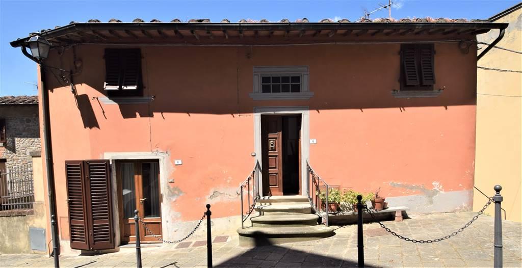Appartamento in vendita a Montecatini-Terme, 5 locali, zona Zona: Montecatini Alto, prezzo € 128.000 | CambioCasa.it