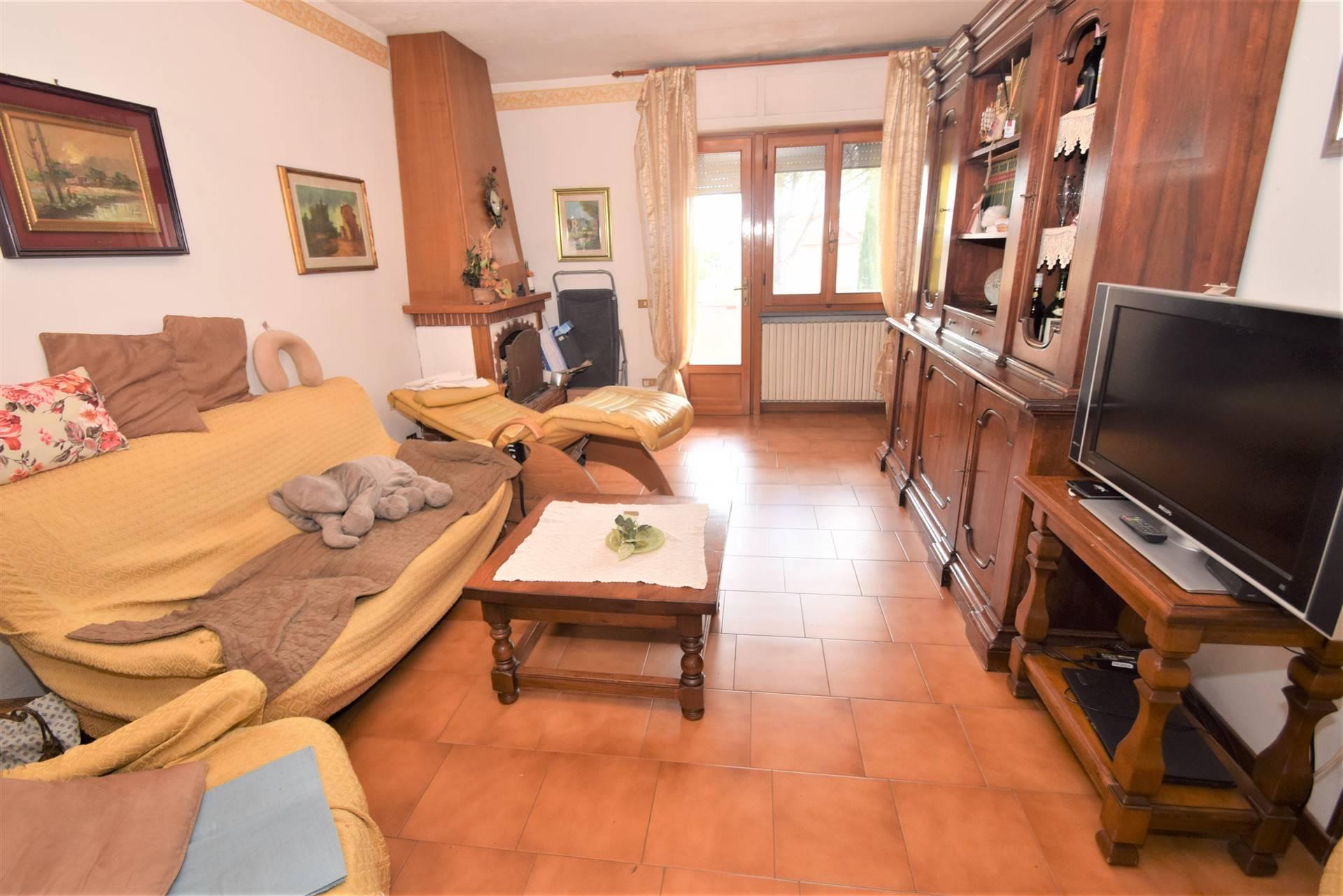 Appartamento in vendita a Pieve a Nievole, 6 locali, prezzo € 149.000 | PortaleAgenzieImmobiliari.it