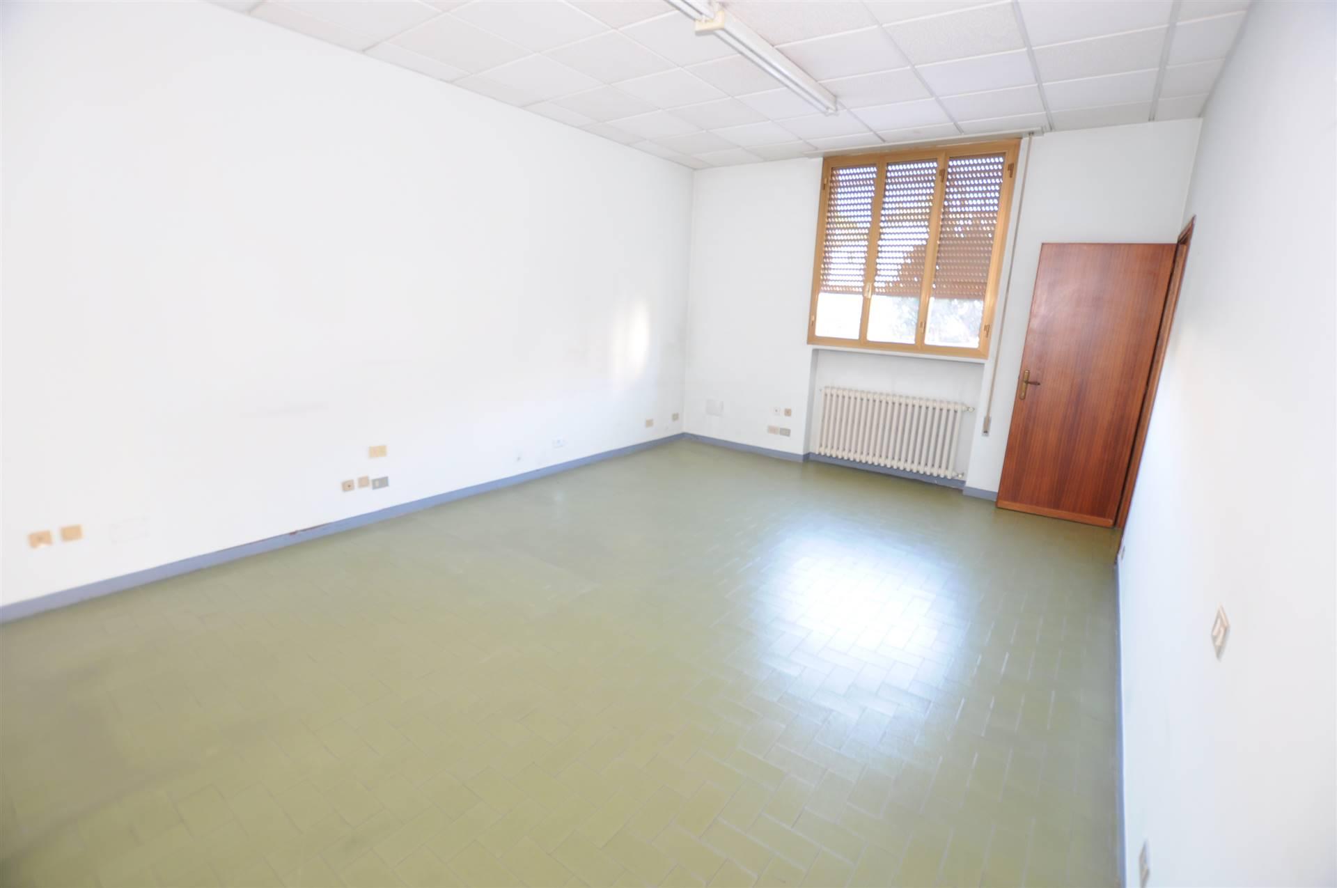 Ufficio / Studio in vendita a Chiesina Uzzanese, 4 locali, prezzo € 60.000 | CambioCasa.it