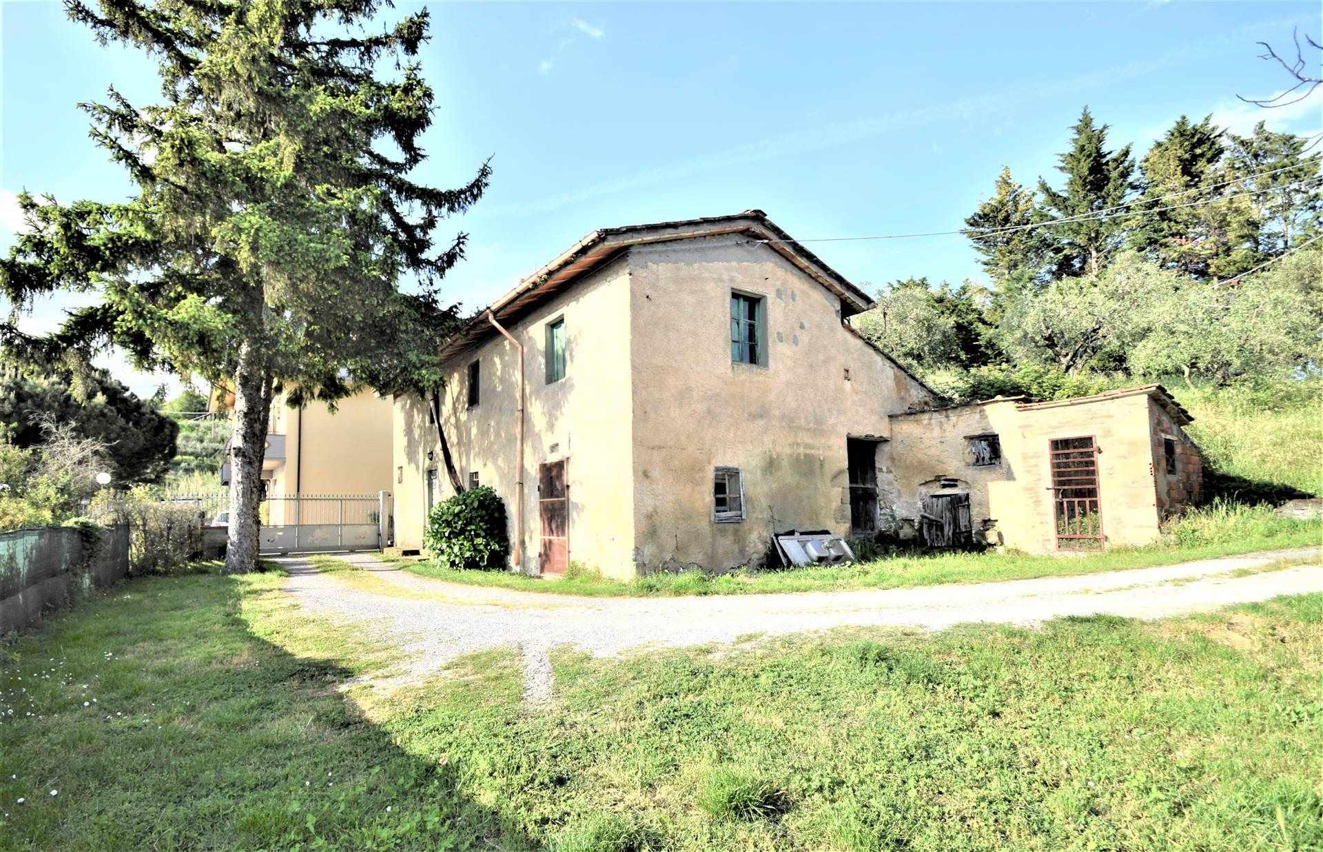 Soluzione Indipendente in vendita a Montecatini-Terme, 7 locali, zona Zona: Montecatini Alto, prezzo € 100.000 | CambioCasa.it