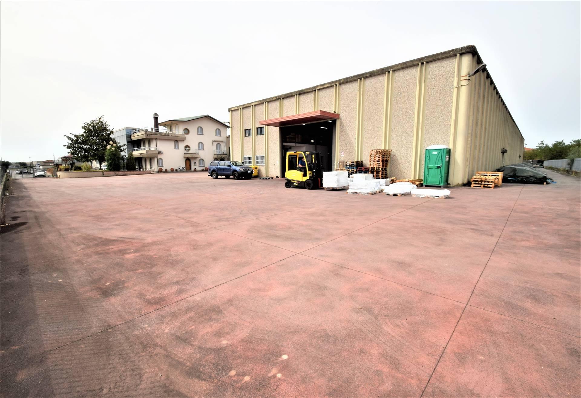 Capannone in vendita a Larciano, 13 locali, zona Zona: Castelmartini, prezzo € 2.500.000 | CambioCasa.it