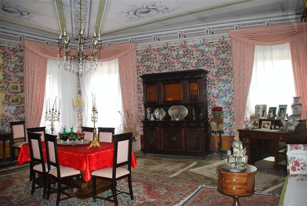 Appartamento in vendita a Montefiascone, 7 locali, prezzo € 250.000 | PortaleAgenzieImmobiliari.it