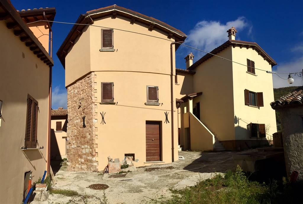 Soluzione Indipendente in vendita a Nocera Umbra, 6 locali, zona Località: CASTELLO, prezzo € 50.000 | CambioCasa.it