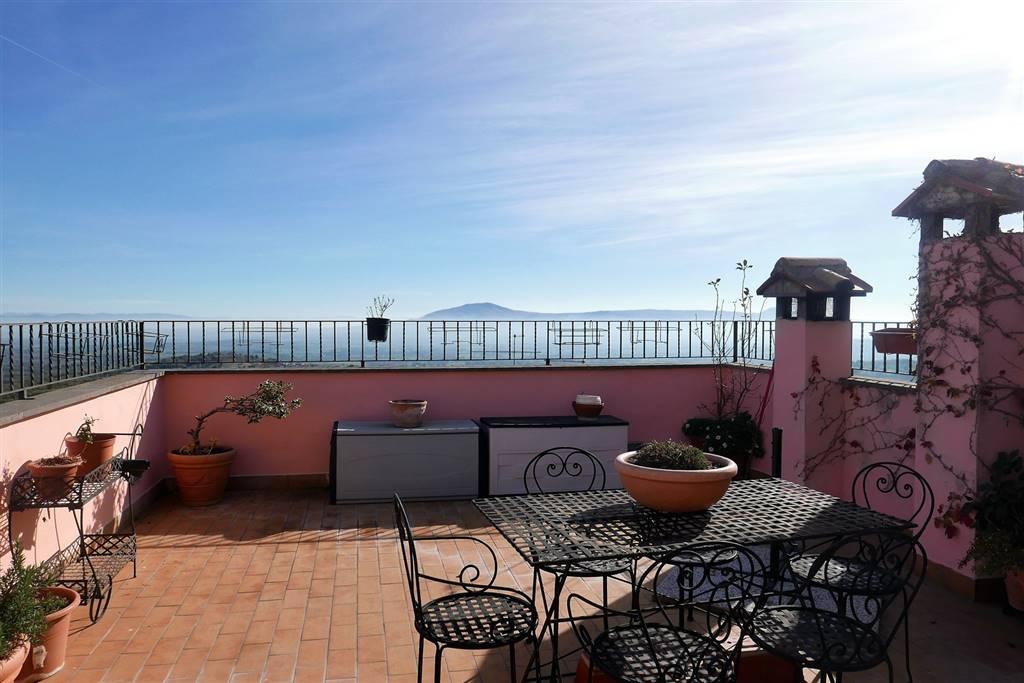 Appartamento in vendita a Montefiascone, 4 locali, prezzo € 145.000 | PortaleAgenzieImmobiliari.it