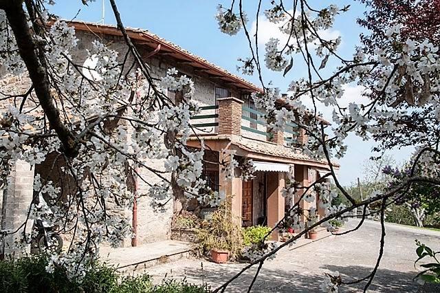 Rustico / Casale in vendita a Vitorchiano, 7 locali, prezzo € 245.000 | CambioCasa.it