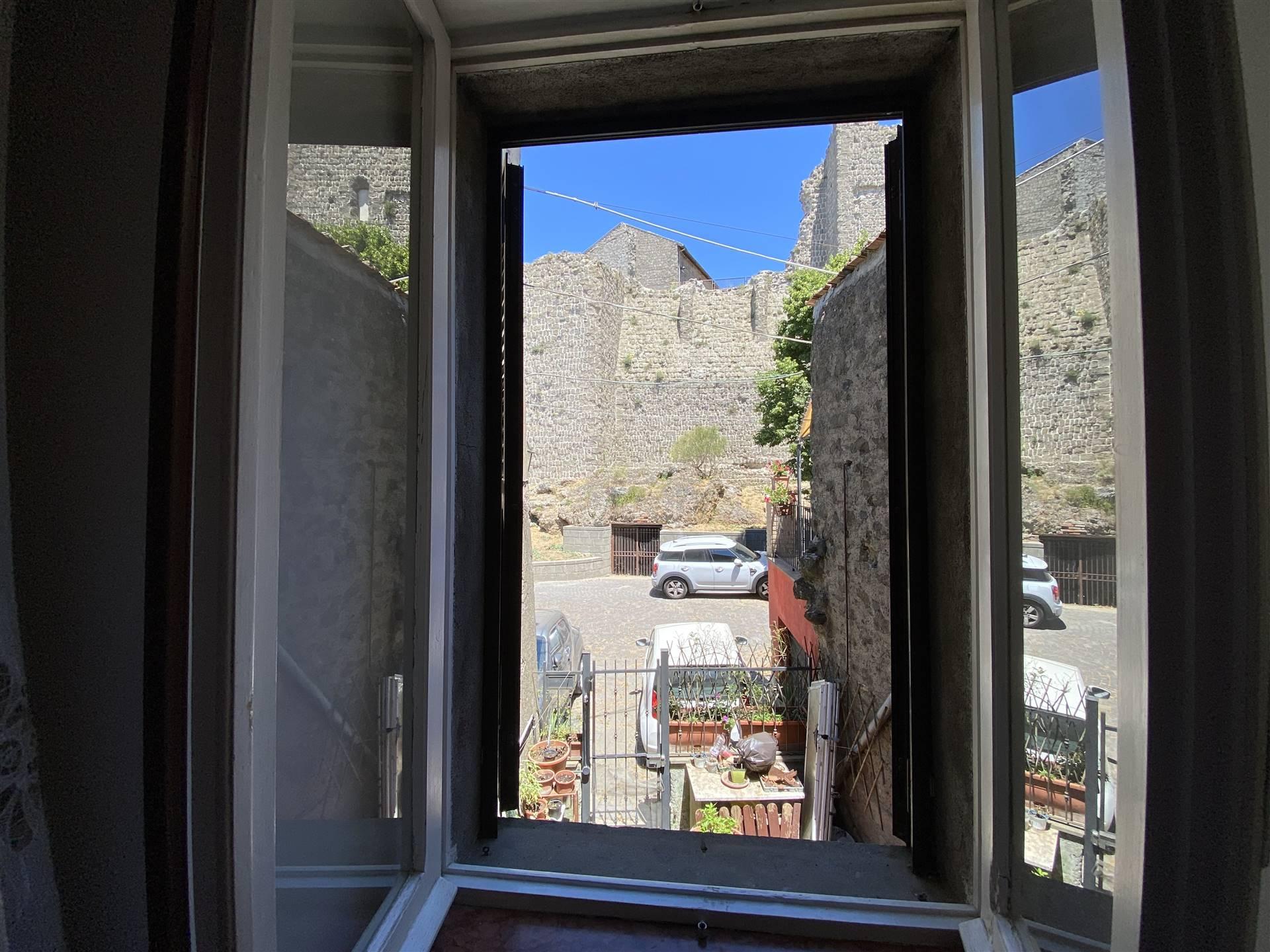 Soluzione Semindipendente in affitto a Montefiascone, 5 locali, Trattative riservate   CambioCasa.it