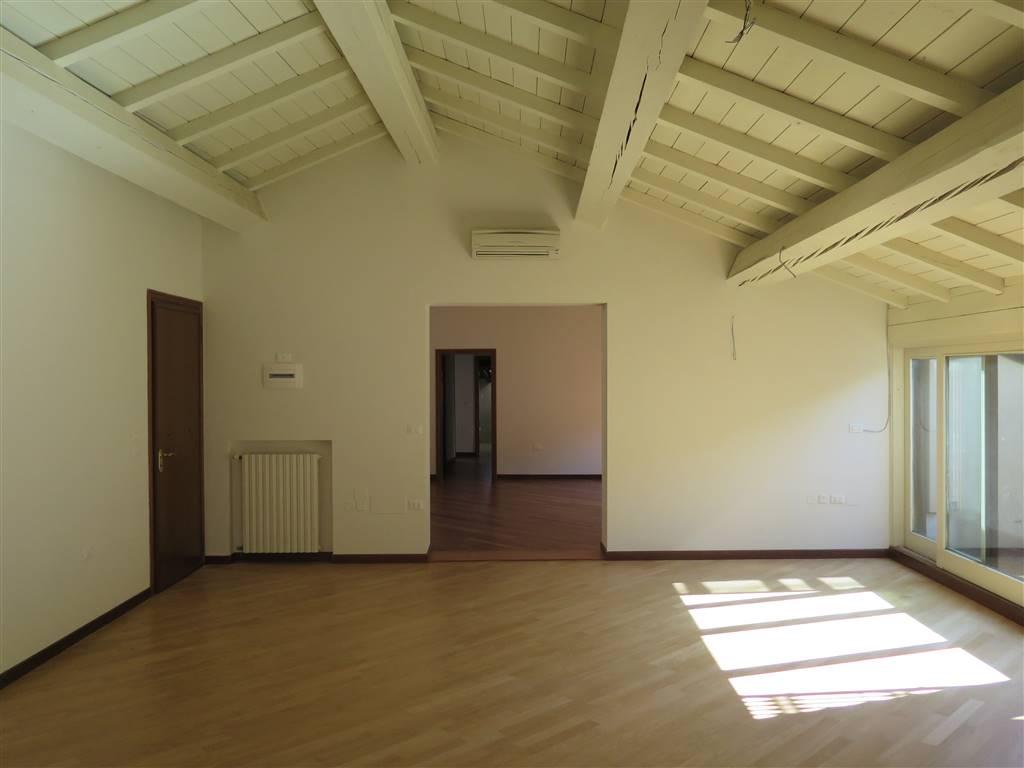 Appartamento, Centro Storico, Bologna, in ottime condizioni