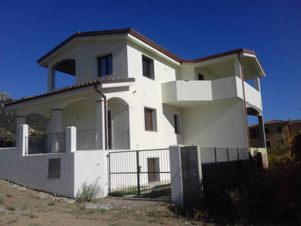 Trilocale in Via Montegrappa 1, Santa Maria Navarrese, Baunei