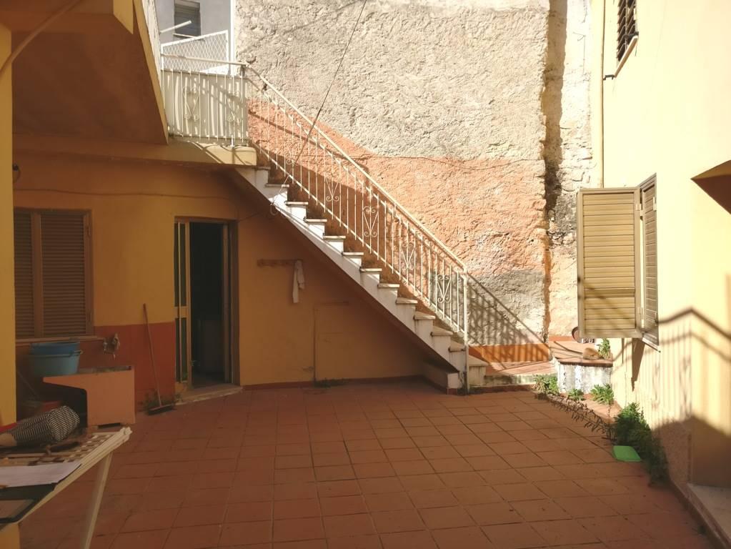 Casa semi indipendente, Bari Sardo, da ristrutturare