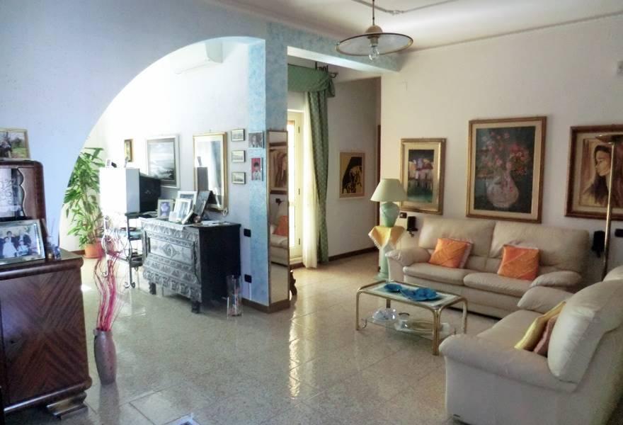 Appartamento in vendita a Bari Sardo, 8 locali, prezzo € 250.000   PortaleAgenzieImmobiliari.it