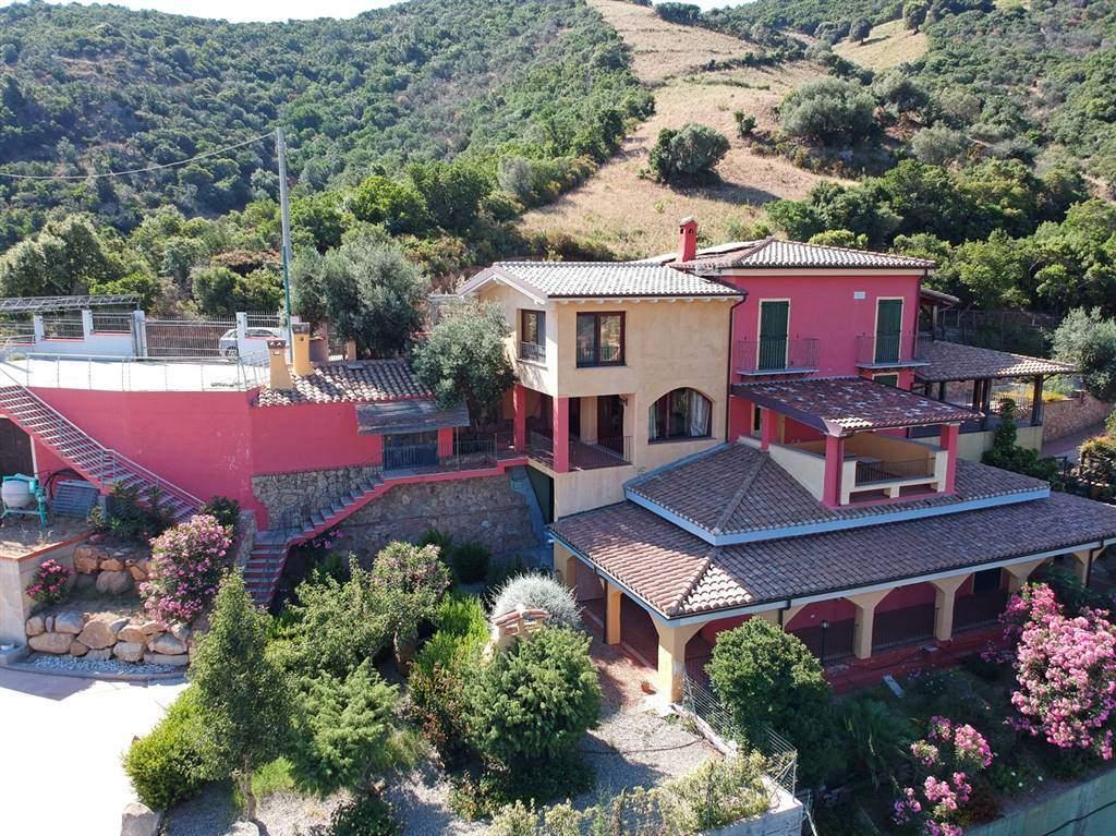Villa in vendita a Cardedu, 10 locali, prezzo € 470.000 | PortaleAgenzieImmobiliari.it