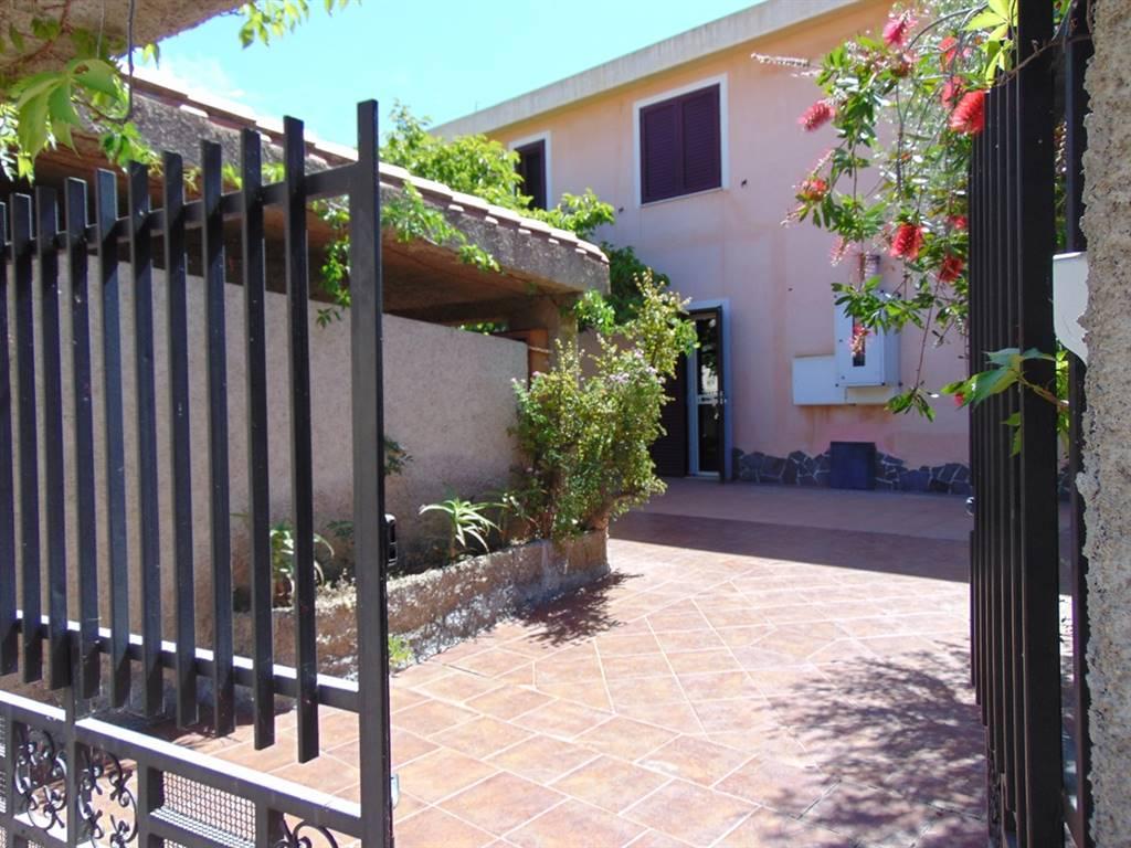 Appartamento in Via Delle Ginestre 7, Santa Maria Navarrese, Baunei